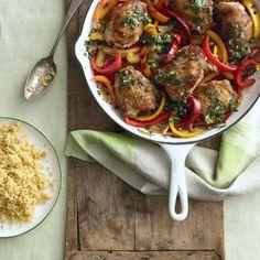 Μπουτάκια κοτόπουλου με πιπεριές και σάλτσα | tlife.gr Ratatouille, Chicken, Ethnic Recipes, Food, Meals, Cubs