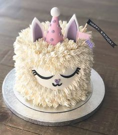 animal cakes Cute unicorn llama cake by ohcakeswinnie What animal would people like to see in a buttercream cake . Cupcakes, Cake Cookies, Cupcake Cakes, Shoe Cakes, Cute Birthday Cakes, Llama Birthday, 9th Birthday, Girl Cakes, Savoury Cake