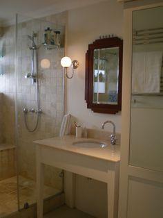 Mouille Point flat, bathroom