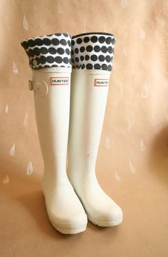 SLUGS Fleece Rain Boot Liners Solid Navy with Daisy on the Cuff ...