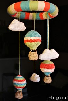 Hand crocheted hot air balloon mobile. Made by Begnaud, find more here: www.bybegnaud.weebly.com