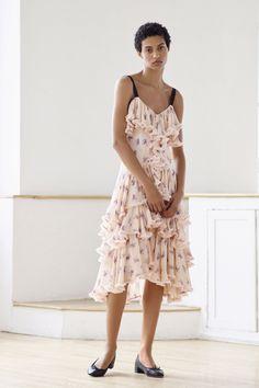 Cinq à Sept Resort 2018 Fashion Show Collection