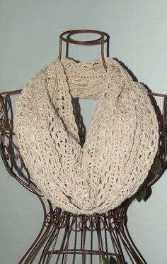 Another image of the Lacy Lace Merino Cowl :) https://www.pinterest.com/pin/428967933234871815/