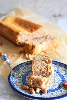 Gente, hoje vim ensinar um bolo de amendoim low carbmaravilhoso, esse bolo é sem farinha, não tem gluten e fica fofinho. O vídeo já está no canal Emagrecer Certo no YouTube. O amendoim possui gorduras boas que protegem o coração. E contém nutrientes fundamentais que contribuem na diminuiçãodo colesterol LDL (colesterol ruim) e mantém as …