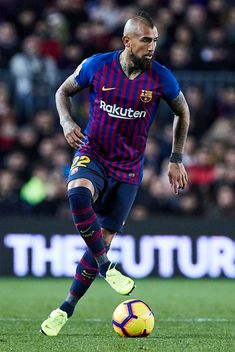 Arturo Vidal of FC Barcelona with the ball during the La Liga match between FC Barcelona and SD Eibar at Camp Nou on January 2019 in Barcelona, Spain. Get premium, high resolution news photos at Getty Images Camp Nou, Football Field, Football Cleats, Team Player, Football Players, Real Madrid Atletico, Making The Team, Messi And Ronaldo, Barcelona Football