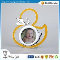 Manufacturer good quality Duck Shape Yellow Zinc Alloy Metal Mini Photo Frame