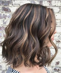 50 Dark Brown Hair with Highlights Ideas for 2019 - Hair Adviser Want to spice up your dark brown hair with highlights? Congrats, besides traditional blonde and caramel highlights you've got plenty of other options. Highlights For Dark Brown Hair, Brown Hair Balayage, Brown Blonde Hair, Light Brown Hair, Brown Hair Colors, Beige Highlights, Balayage Highlights, Blonde Honey, Peekaboo Highlights