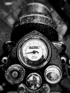 Royal Enfield during Monsoon Classic 350 Royal Enfield, Enfield Classic, Bike Storage Design, Bike Design, Bike Photography, Beauty Photography, Royal Enfield Wallpapers, Bullet Bike Royal Enfield, Royal Enfield Accessories
