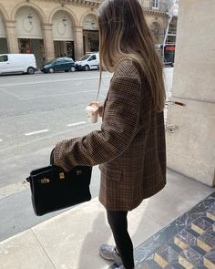 Beige, Blazer, Chic, Sweaters, Outfits, Instagram, Dresses, Outfit Ideas, Style
