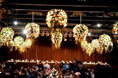 Decoración de techos para fiestas.  Flores y luces...