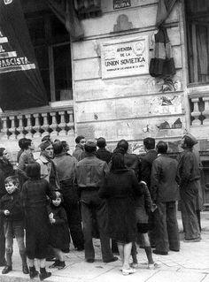 La Gran Vía cuando era la Avenida de la Unión Soviética Spanish War, Barcelona, Foto Madrid, Civil War Photos, Murcia, World History, World War Two, Japan, Illustrations