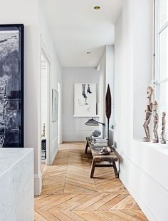 House tour: a modern French apartment within an opulent shell - Vogue Living HALLWAY/ inspo French Country Rug, French Country Decorating, Modern French Decor, Modern Interior Design, Interior Architecture, Design Parquet, Antique Bench, French Apartment, Ideas Hogar
