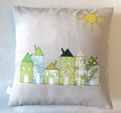 nice Cushion cover, green houses in a row, European, free motion applique, / Applique Cushions, Sewing Pillows, Diy Pillows, Decorative Pillows, Free Motion Embroidery, Free Machine Embroidery, Fabric Art, Fabric Crafts, Quilted Pillow