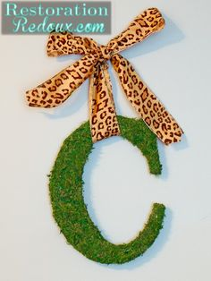 Moss Covered Letter Tutorial http://www.restorationredoux.com/?p=5305