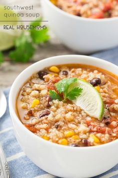 Southwest Chicken Quinoa Soup is a comforting dish that can be made in about 35 minutes! An easy weeknight meal! Southwest Chicken Quinoa Soup is a comforting dish that can be made in about 35 minutes! An easy weeknight meal! Chicken Quinoa Soup, Soup With Quinoa, Quinoa Meals, Quinoa Rice, Chicken Chili, Quinoa Salad, Healthy Soup, Healthy Recipes, Eat Healthy