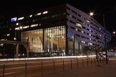 Lyon la nuit Hôtel de région Confluence