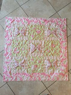 A sweet baby girl quilt I call Buttons and Bowd