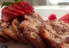 lindastuhaug   Oppskrift: sukkerfri og proteinrik banankake Meatloaf, Baking, Food, Meat Loaf, Meal, Patisserie, Backen, Eten, Bread