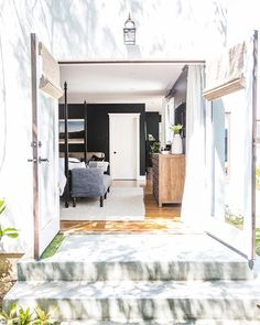 Reason #839 we love our designers: they can make your everyday space feel like a freakin' DREAM resort location. And for that we know we #blessed. #praise #yas #werk // Design by @haleyweidenbaum of #HomepolishLA + photo by @tessaneustadt.