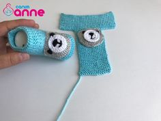 Baby Booties Knitting Pattern, Crochet Baby Booties, Crochet Slippers, Baby Knitting Patterns, Crochet Patterns, Baby Boots, Knitting Projects, Fingerless Gloves, Arm Warmers