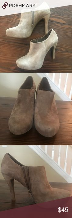 Gianni Bini bootie heels 9 1/2 Gianna Bini bootie heels 9 1/2. These are gently used, you can see a few scuffs on boots but easily can be cleaned to look good as new. Does not come with box. Gianni Bini Shoes Heeled Boots