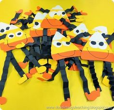 Fall Crafts For Kids of All Ages - Fun and Easy Fall Crafts and Craft Projects for Kids to Make Easy and FUN Fall Crafts Idea for children - Candy Corn Paper People. The kids in school LOVED making these. Easy Fall Crafts, Fall Crafts For Kids, Craft Projects For Kids, Kids Crafts, Craft Ideas, Fall Activities For Kids, Fall Art For Toddlers, Harvest Crafts For Kids, Children Projects