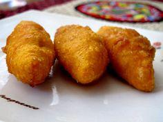 Cek Mek Molek (Fried Sweet Potatoes Dumplings)