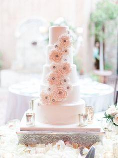 White wedding cake, five their wedding cake, flower icing blush flowers cake - Rachel Solomon Photography Blog | Maggie and Drew – Silverleaf Wedding | http://blog.rachel-solomon.com