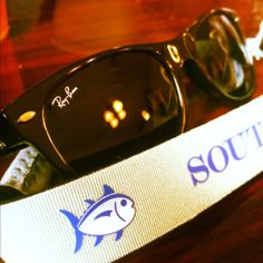 Looks like my glasses with a different color southern tide croakie