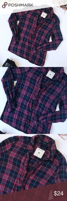 Zara premium women plaid collection flannel top Flannel top are all the rage this season! Simply pair this cute top with a pair of boyfriend jeans and boots for a fun look. Top has a v-neck style then starts to button down at that point all the way to the bottom.   w : 16 l : 25  stock:  1-20 Zara Tops