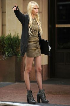 Gossip Girl Style Special [Taylor Momsen - Jenny Humphrey] - (592×888)