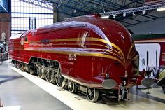 The Duchess of Hamilton's locomotive was given a make-over to restore her to her original streamlined gorgeousness, and was unveiled in 2009...
