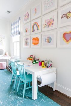 Looking for kids playroom ideas or playroom storage solutions? Today we are looking at some brilliant kids playroom storage ideas. Playroom Design, Playroom Decor, Kids Room Design, Kids Decor, Decorating Kids Rooms, Bonus Room Playroom, Playroom Table, Small Playroom, Modern Playroom