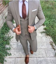 Men's three piece suit style Men's Suits, Suits You, Cool Suits, Gray Suits, Best Suits For Men, Suit For Men, Designer Suits For Men, Men With Street Style, Casual Suit