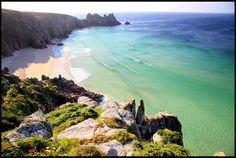 Just another secluded spot in Cornwall. This exotic looking beach is called Pedn Vounder. Swimming Photos, Places To Travel, Places To Visit, British Beaches, Uk Holidays, Hidden Beach, British Isles, Holiday Travel, Britain
