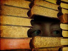 """""""Entré y salí de los libros, por lo menos una parte de mí lo hice, y como leí, sentí un amor en mis ojos y un amor afuera, en las páginas, las palabras del discurso íntimo y defectuoso personajes, sus conversaciones con él y entusiastas conmigo acerca de sus aventuras, un amor que reflejaba fuera del inmenso interior para mí que he leído. """"  (Los balcón geranios tímida - Anna Marchesini)"""