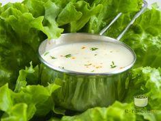 470 ml lapte batut, 250 ml maioneza (dintr-un ou c. Vinaigrette Dressing, Romanian Food, Tasty, Yummy Food, Bechamel, Quick Meals, Cucumber, Cabbage, Homemade