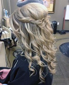 Hairstyle ideas for formal event unique best easy formal hairstyles for long hair s styles & ideas Easy Formal Hairstyles, Prom Hairstyles For Long Hair, Graduation Hairstyles, Dance Hairstyles, Latest Hairstyles, Down Hairstyles, Hairstyles Haircuts, Hairstyle For Wedding Day, Peinado Updo
