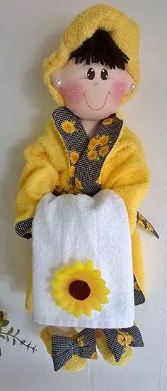 Куклы-держатели туалетной бумаги. Обсуждение на LiveInternet - Российский Сервис Онлайн-Дневников Diy Doll Toilet, Handmade Crafts, Diy And Crafts, Sewing Crafts, Sewing Projects, Elf Christmas Decorations, Fabric Basket Tutorial, Sewing Patterns, Crochet Patterns