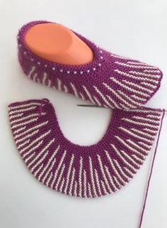Harasho Knit Booties Model Building Booties Model Easy To . Harasho knit booties model building booties model easy to . - - knitting pattern STEP-BY-STEP INSTRU. Easy Knitting, Loom Knitting, Knitting Stitches, Knitting Socks, Crochet Sandals, Crochet Socks, Knit Or Crochet, Baby Knitting Patterns, Knitting Designs