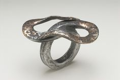 Ring | Gloria Carlos.  Iron and 18 ct gold