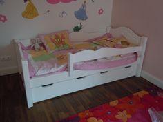 Bonita ágy 3/4-es leesésgátlóval és ágyneműtartóval
