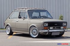 Fiat 147 1978 restaurado, aro 15, rebaixado e rack vintage