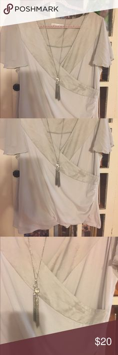 XL Women's lined blouse with sheer sleeves XL Women's gray lined blouse 👚 with sheer flowy sleeves and gray satin trim by Soft Surroundings- very pretty and delicate look Soft Surroundings Tops Blouses