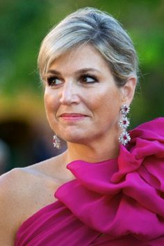 Dutch Queen Maxima's earrings details as she attends the governors reception at Fort Amsterdam, Curacao 19.11.13.