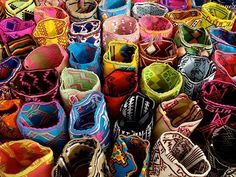 Colorfull Mochilas ~ handmade crochet bags by Wayuu Indians Colombia