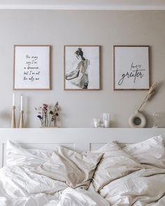 Cozy Bedroom, Bedroom Inspo, Modern Bedroom, Bedroom Wall, Room Inspiration, Interior Inspiration, Beige Room, How To Dress A Bed, Dream Apartment