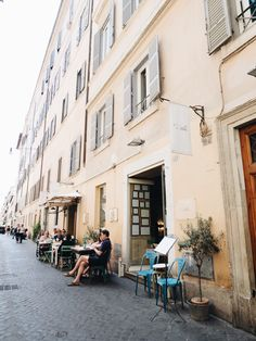 wandering the side streets of Rome | travel guide from coco kelley