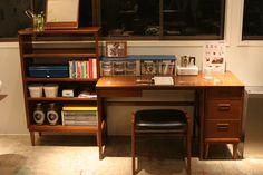 カリモク60 デスク Mid Century Decor, Corner Desk, Rooms, Interior, House, Furniture, Home Decor, Fashion, Corner Table