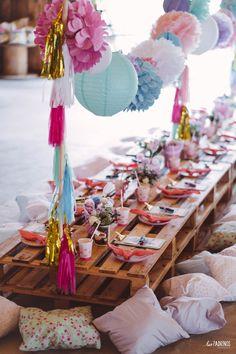 InspireBlog – Moms Festa Ice Cream Flowerland da Sophie - InspireBlog - Moms Garden Party Decorations, Birthday Party Decorations, Coachella Party Decorations, Picnic Birthday, Birthday Parties, Teepee Party, Hippie Party, Festival Party, Festival Wedding